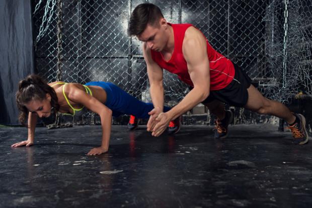 Jednymi z najpopularniejszych zajęć fitness są te z wykorzystaniem ciężaru własnego ciała.