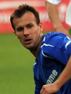 Marek Zieńczuk jesienią w ekstraklasie zagrał tylko trzy razy w biało-zielonych barwach. Wiosnę rozpocznie w Ruchu od mecz przeciwko... Lechii.