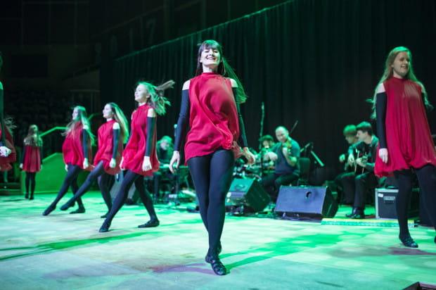 Występ grupy tanecznej Salake był znakomitym dopełnieniem tradycyjnej irlandzkiej muzyki prezentowanej przez zespół Carrantuohill.