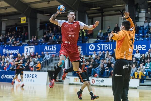 Damian Kostrzewa w towarzyskim turnieju w Gryficach zaliczył pierwsze mecze po blisko rocznej przerwie. Skrzydłowy zdobył w nich 11 bramek i był najlepszym strzelcem drużyny.