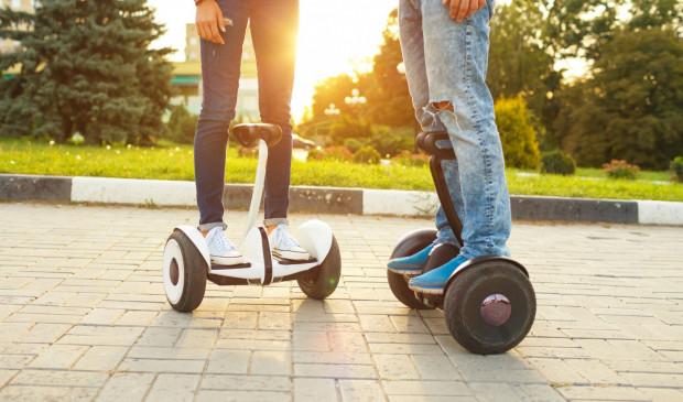 Między innymi takimi elektrycznymi Urządzeniami Transportu Osobistego będzie można jeździć wkrótce legalnie po drodze rowerowej.