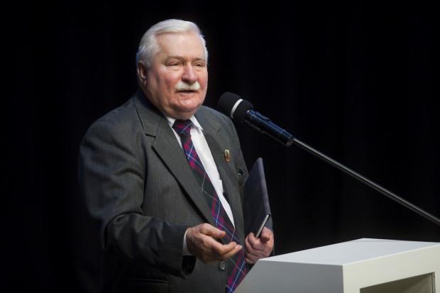 """Teczka TW Bolka """"wypłynęła"""" po śmierci Czesława Kiszczaka w 2016 roku. Lech Wałęsa konsekwentnie twierdzi, że nigdy nie współpracował ze Służbą Bezpieczeństwa PRL, nie podpisał żadnego pokwitowania odbioru pieniędzy od SB, nie sporządził też żadnego doniesienia."""