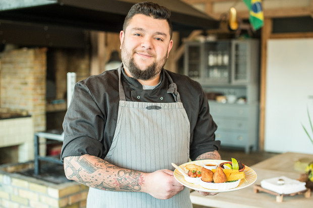 W Pousada Kumaki kuchnię prowadzi Brazylijczyk, który przygotowuje tradycyjne dania ze swojego kraju.