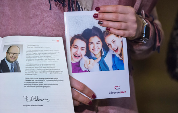 Konferencja na temat nowej broszury o zdrowiu prokreacyjnym, która miałaby trafić do gdańskich szkół.