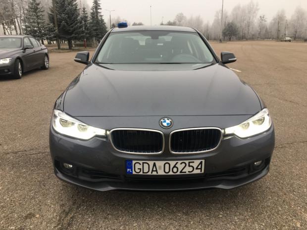 Do końca października na pomorskich drogach będzie jeździło już 8 takich BMW.