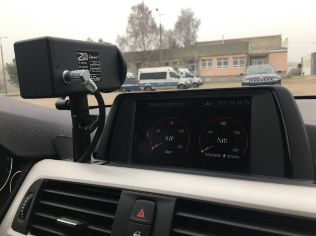 Najwięcej kontrowersji wśród kierowców budzi zainstalowany na pokładzie BMW wideorejestrator.