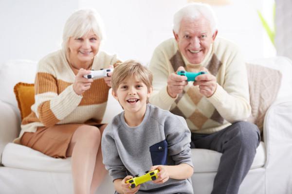 W niedzielę 21 stycznia świętujemy Dzień Babci, a dzień później - w poniedziałek 22 stycznia - Dzień Dziadka.