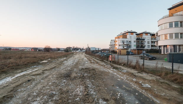 Rezerwa terenowa ul. Nowej Stężyckiej na wysokości osiedla Zielonego.