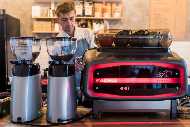 Piotr Krawczyk z gdyńskiego Cup and Cakes: - Kawiarnia specialty to przede wszystkim miejsce, gdzie znajdziemy ziarno kawy najwyższej jakości. I nie chodzi tutaj o kawę najlepszą według reklam.