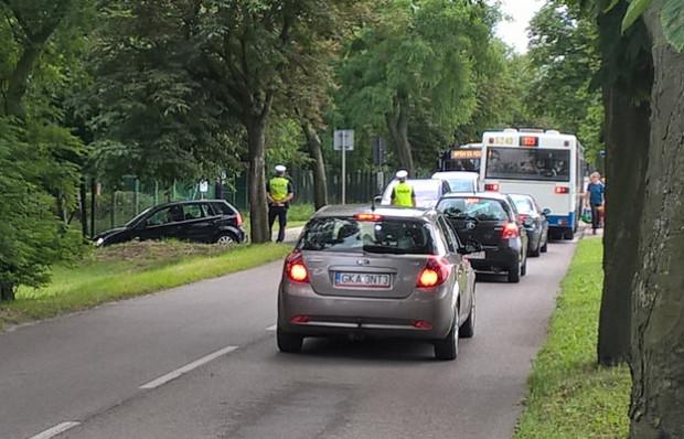 Radni Babich Dołów postulują o utwardzenie części dróg w ich dzielnicy, co pozwoli odciążyć zatłoczoną głównie latem ul. Zieloną.