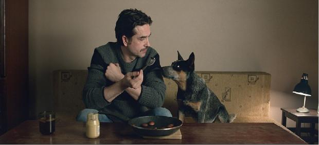 Mirek (Marcin Dorociński) i Kotlet (pies Kotlet) tworzą z pewnością najbarwniejszy ekranowy duet w ostatnim czasie jeśli chodzi o polskie kino. Niewątpliwie są największą ozdobą produkcji Kingi Dębskiej.