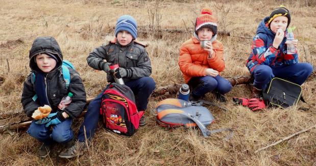 Uczniowie trójmiejskich szkół mają w czym wybierać jeśli chodzi o aktywne spędzanie ferii. W ofercie są zajęcia i turnieje sportowe, pływalnie czy lodowiska, a ciekawą alternatywę stanowić mogą piesze wędrówki z przewodnikiem.