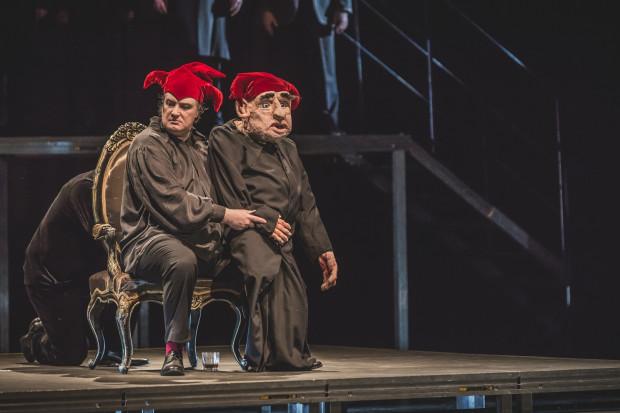 """Tomasz Podsiadły w Operze Bałtyckiej przygotował wcześniej """"Madame Butterfly"""" i """"Rigoletto. Semi-Stage"""" (na zdjęciu). """"Poławiacze pereł"""" to trzeci jego spektakl realizowany w teatrze operowym."""