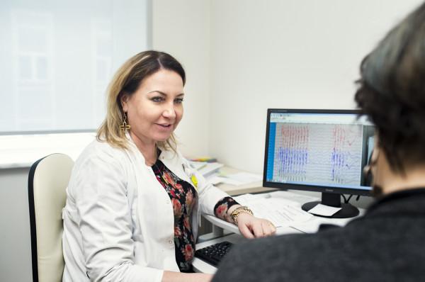 Nawet nie najlepsza diagnoza nie musi okazać się dla chorego wyrokiem, ponieważ medycyna dobrze radzi sobie z leczeniem padaczki i łagodzeniem jej skutków.