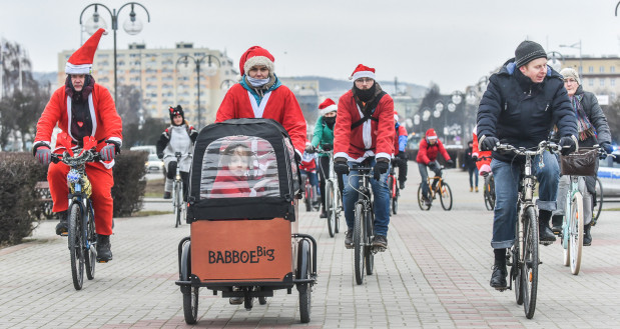 Czy rowery cargo będą pojawiały się w Trójmieście nie tylko od święta? Tu na przejeździe dla WOŚP w styczniu 2018 roku.