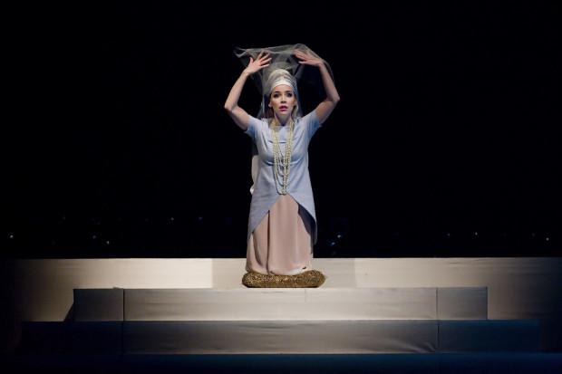 Prym wśród solistów wiedzie sopranistka Maria Domżał wykonująca partię Leili.