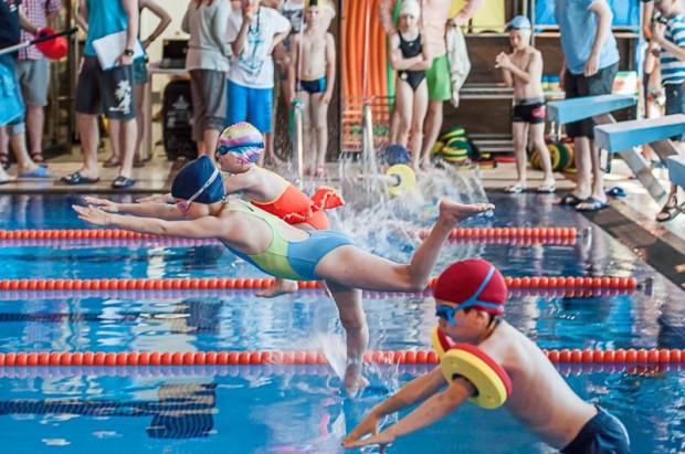 Kompleks sportowy Alchemia przyciąga ofertą, jakiej w jednym miejscu nie znajdziemy w żadnym innym miejscu w Trójmieście. Także w kontekście organizowanych tu wydarzeń sportowych (na zdjęciu aquathlon dla dzieci).