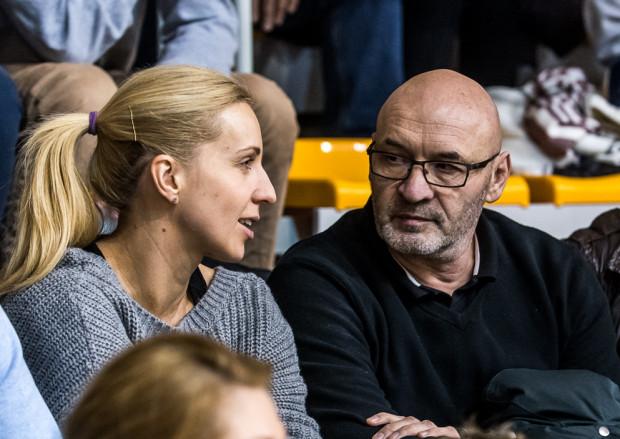 Leszek Krowicki oglądał niedawny mecz GTPR Gdynia z Perłą Lublin m.in. w towarzystwie byłej kadrowiczki, który tytuł mistrzyń Polski zdobywała zarówno w Gdańsku jak i w Gdyni, Karoliny Siódmiak.