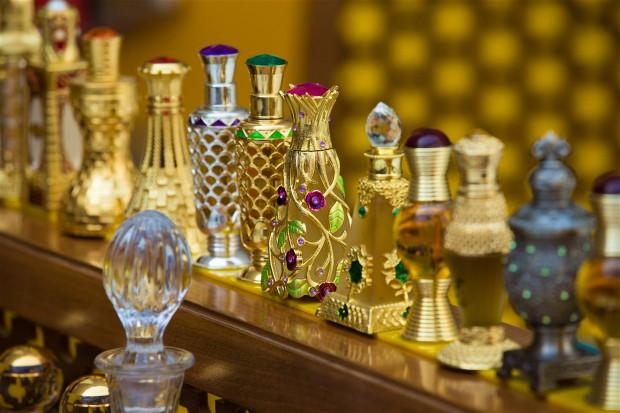 Od kilku lat perfumy z Bliskiego Wschodu podbijają gusta europejskich klientów.