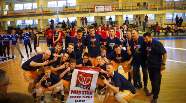 Koszykarze Asseco Gdynia po zdobyciu mistrzostwa Polski U-20.