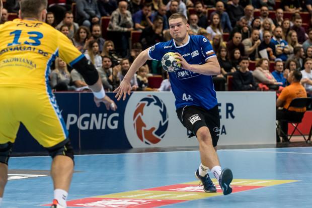 Kamil Adamczyk rzucił dwie bramki w pierwszych pięciu minutach, ale był to ostatni okres dobrej gry Wybrzeża w tym meczu