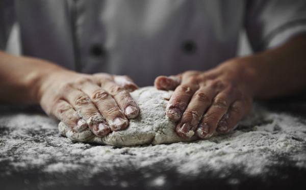 W sklepach możemy znaleźć kilkanaście rodzajów mąki, warto wiedzieć czym się różnią i która jest najbardziej wartościowa.