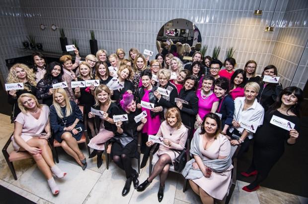 """Uczestniczki charytatywnej kolacji """"Kobiety kobietom"""" w restauracji Mercato."""