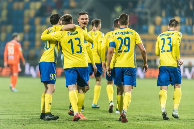 Tomasz Korynt uważa, że piłkarze Arki mają się z czego cieszyć, ponieważ utrzymanie mają praktycznie pewne.