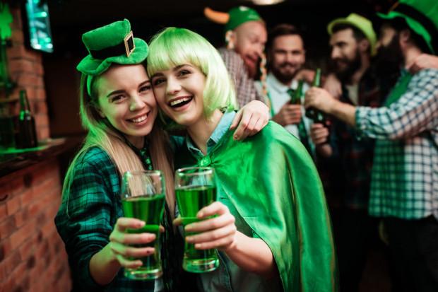 Kolorem przewodnim Dnia Św. Patryka jest zielony, a przysmakiem zielone piwo.