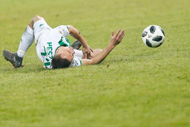 - Lechia jest na zakręcie - diagnozuje Piotr Stokowiec po dziesiątym meczu z rzędu biało-zielonych bez zwycięstwa. Tak fatalnej serii klub nie miał jeszcze w XXI wieku. Na zdjęciu Sławomir Peszko.