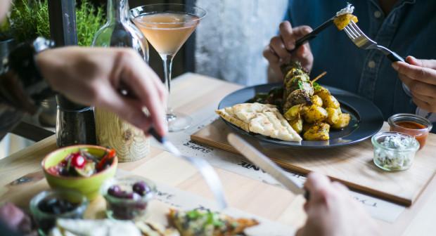 Taverna Zante serwuje potrawy kuchni greckiej, ale znajdą tu swoje miejsce także miłośnicy dobrych alkoholi.