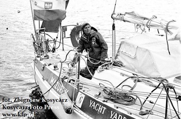 """Czerwiec 1978 roku. Kpt. Krystyna Chojnowska-Liskiewicz, na pokładzie jachtu """"Mazurek"""", wraca do Gdyni."""