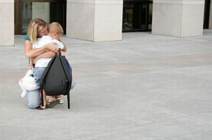 Dla wielu rodziców rozstanie z dzieckiem to duży stres. Tym mniejszy, im dorośli są bardziej pewni, że ich pociecha spędza dzień w dobrej szkole.