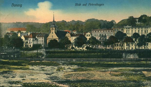Widok na Biskupią Górkę od strony Urzędu Wojewódzkiego. Z lewej strony widać pierwszy wiadukt Biskupia Górka.