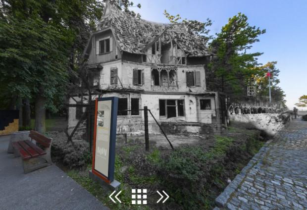 Nieistniejący obecnie budynek Wartowni nr 5. Po prawej stronie znajduje się współcześnie cmentarzyk obrońców Westerplatte.