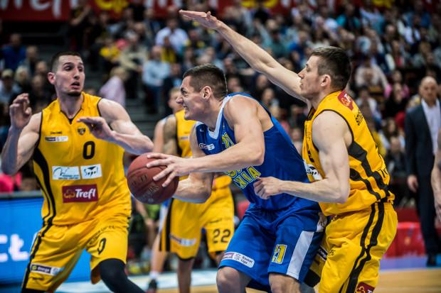 Chęci do walki w derbach obu drużynom nie można było odmówić, ale brakowało koszykarskiej jakości.