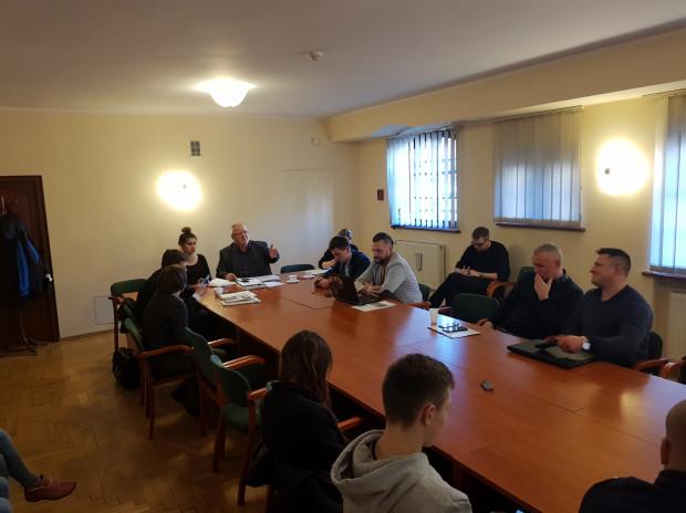 Środowe posiedzenie komisji sportu w radzie miasta.