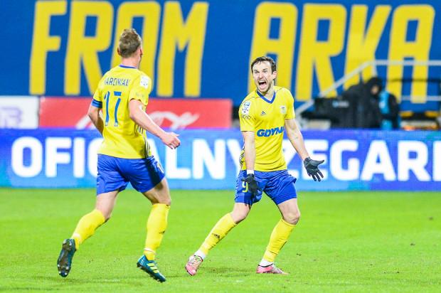 Andrij Bogdanow (z prawej) przeszedł do historii meczów Arka Gdynia - Legia Warszawa, ale liczy, że będzie miał jeszcze inne powody do świętowania w najbliższą niedzielę.