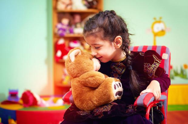 Według danych szacunkowych w Polsce może być około 340 tys. osób z autyzmem, z czego 80 proc. stanowią dzieci.