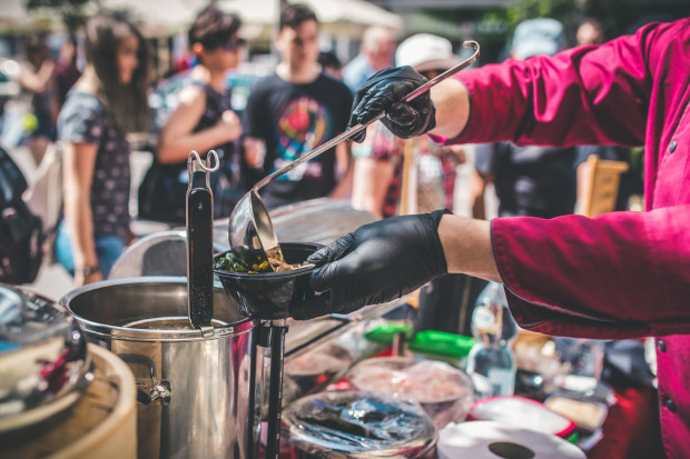 Podczas imprezy Kulinarna Świętojańska swoje dania na ulicy serwuje kilkadziesiąt gdyński restauracji.
