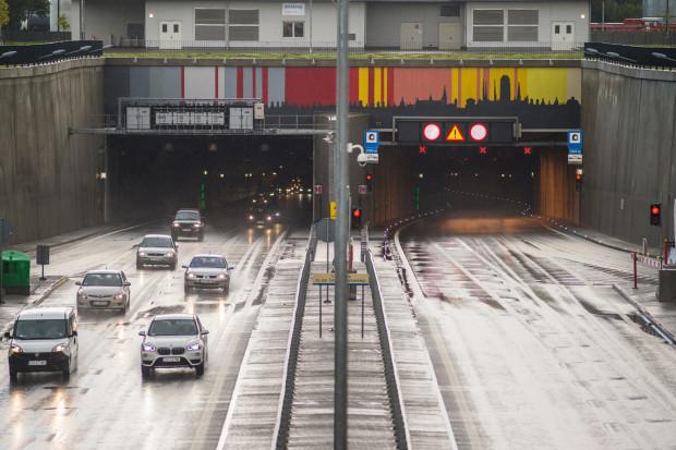Poniedziałkowy wypadek był najpoważniejszym zdarzeniem w tunelu od czasu jego otwarcia w kwietniu 2016 r.