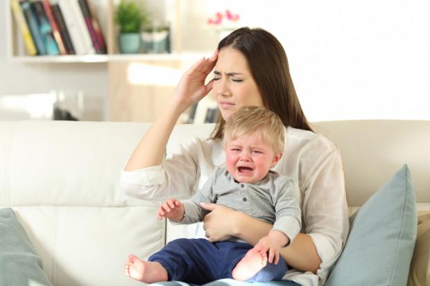 Okres ciąży i porodu to zmiany, które powodują, że kondycja psychiczna kobiety jest zagrożona, co niestety później może odbić się na więzi z dzieckiem, relacjach rodzicielskich.