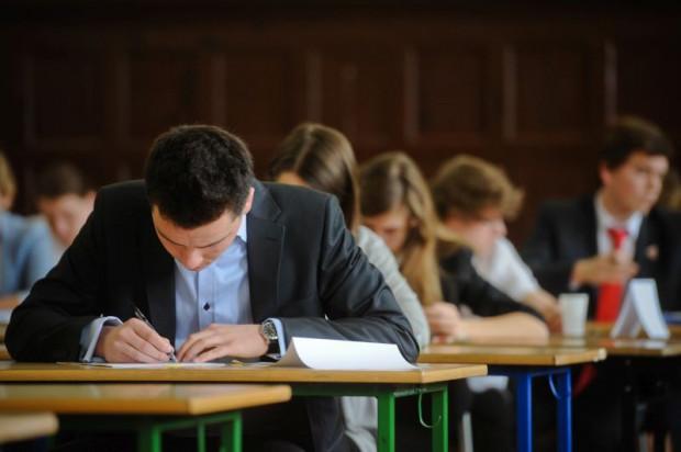 """Egzamin gimnazjalny nazywany jest """"małą maturą""""."""