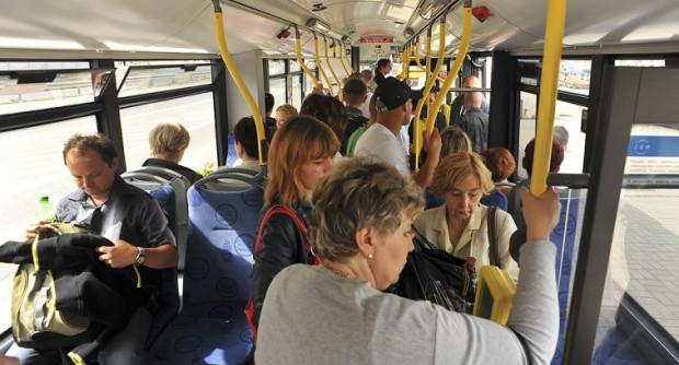 Liczba pasażerów w Gdyni jest sprawdzana poprzez badania marketingowe i sprzedaż biletów.