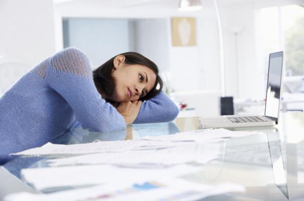 Kortyzol jest produkowany i uwalniany przez nadnercza w reakcji na bodźce stresowe.
