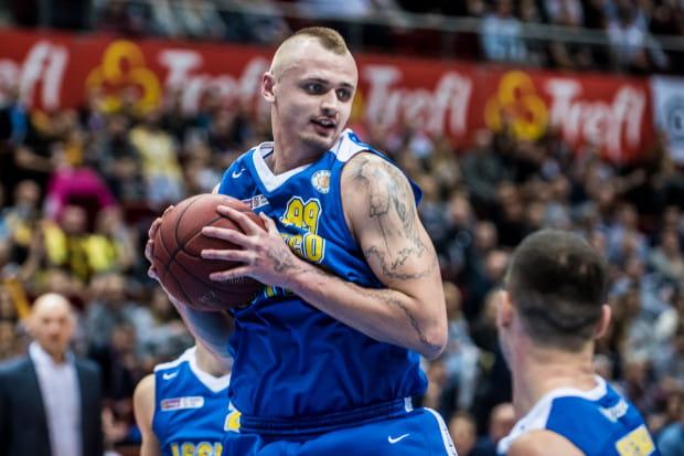 Dariusz Wyka walnie przyczynił się do pokonania swojej byłej drużyny, Miasta Szkła Krosno.