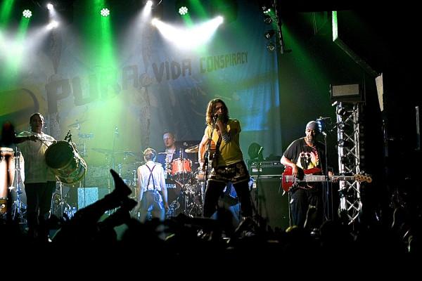 Swój szalony, cygański rock Gogol Bordello zaprezentuje w B90 23 maja.