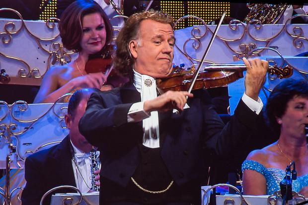 """""""Króla Walca"""" - skrzypka Andre Rieu zobaczymy w Ergo Arenie 26 maja."""