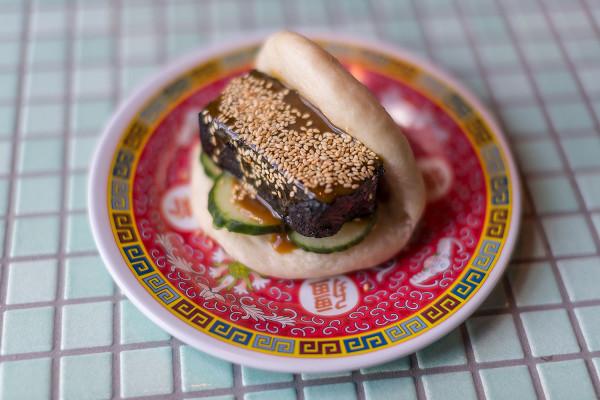W Neonie zjemy autorskie azjatyckie jedzenie uliczne.