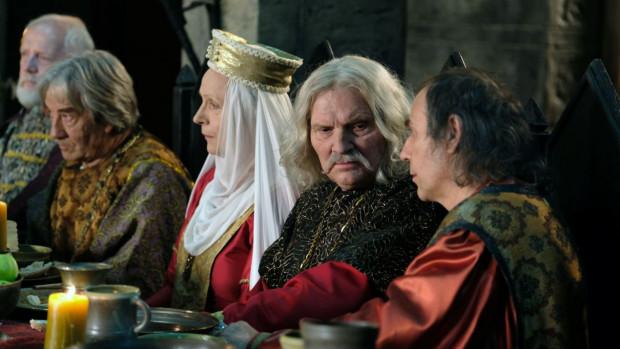 """""""Korona królów"""" - serial TVP, który stał się hitem ostatnich miesięcy w Polsce."""